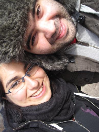 Nos salió buena la foto, se nota caleta la estatua de Central Park que elegimos como fondo xD
