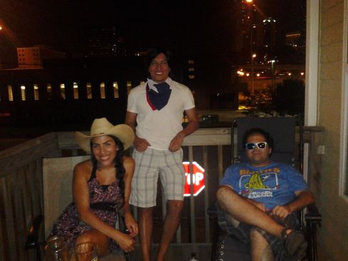 Tamara texana, Gustavo texano y Seba todo el style Astroza